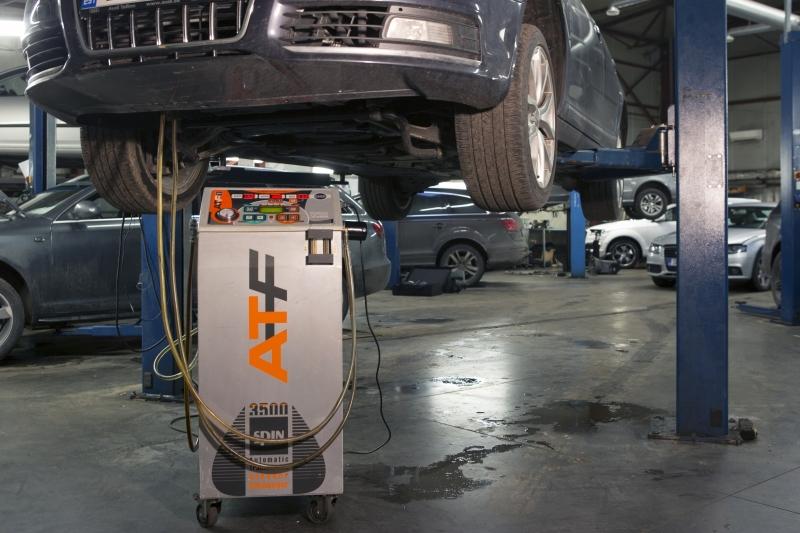 automaattivaihteiston öljyn tarkistus